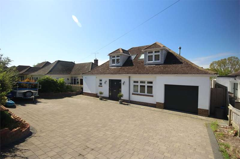 4 Bedrooms Detached House for sale in Hillside Drive, Christchurch, BH23