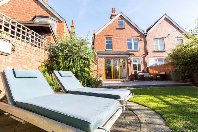 5 Bedrooms Semi Detached House for sale in Pembroke Avenue, Hove, East Sussex, BN3