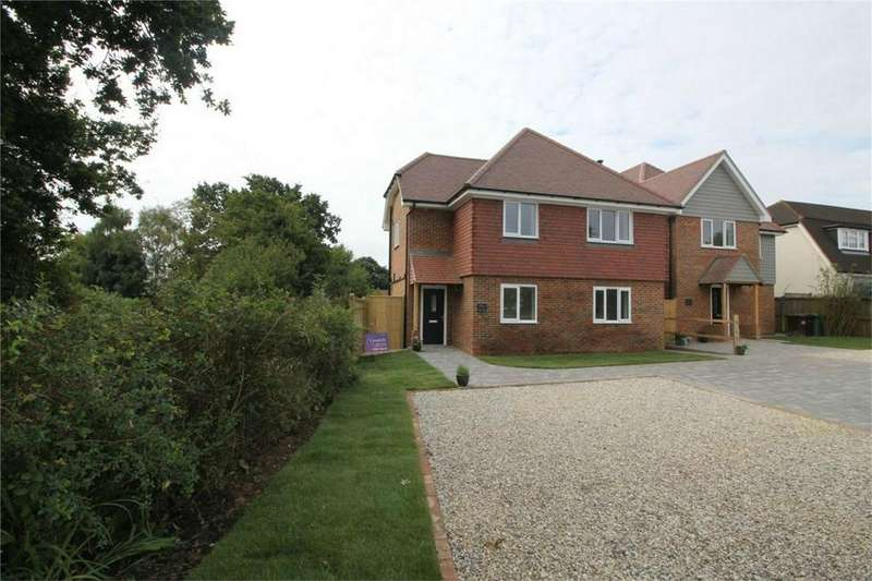 4 Bedrooms Detached House for sale in North Trade Road, BATTLE, East Sussex