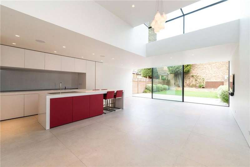 5 Bedrooms Semi Detached House for sale in Elms Road, Clapham, SW4