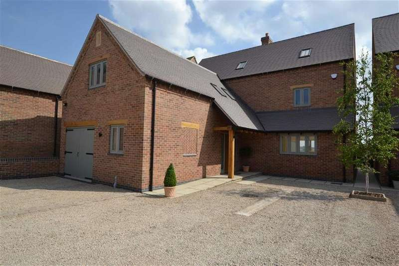 5 Bedrooms Detached House for sale in Barton In The Beans