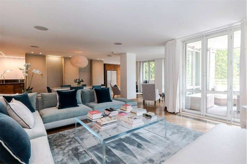 3 Bedrooms Flat for sale in Porchester Gate, Bayswater Road, London, W2