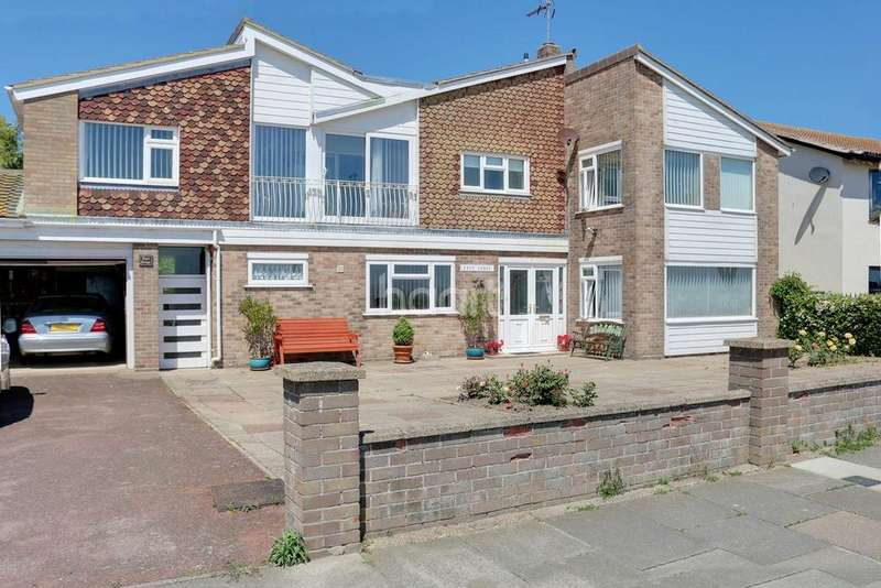 3 Bedrooms Detached House for sale in Cliff Parade