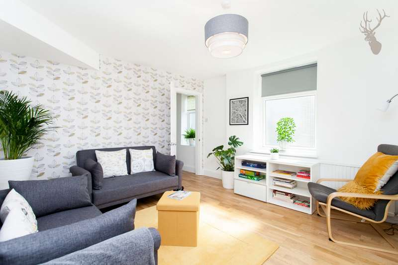 3 Bedrooms House for sale in The School House, Wrights Road, Bow, E3