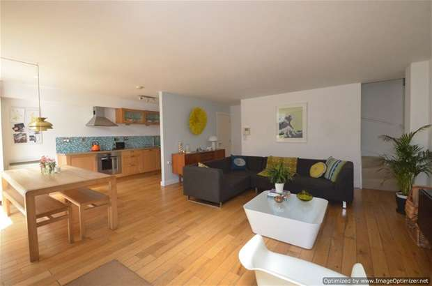 2 Bedrooms Mews House for sale in Foskett Mews, Dalston, E8