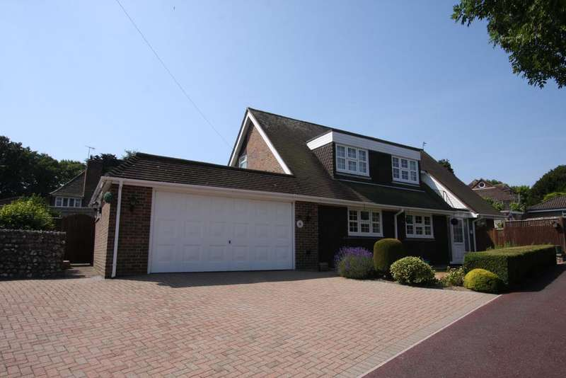 4 Bedrooms Chalet House for sale in Manor Way, Eastbourne BN20