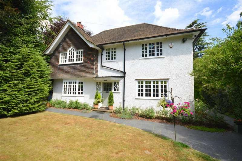 4 Bedrooms Detached House for sale in Glebe Road, Merstham
