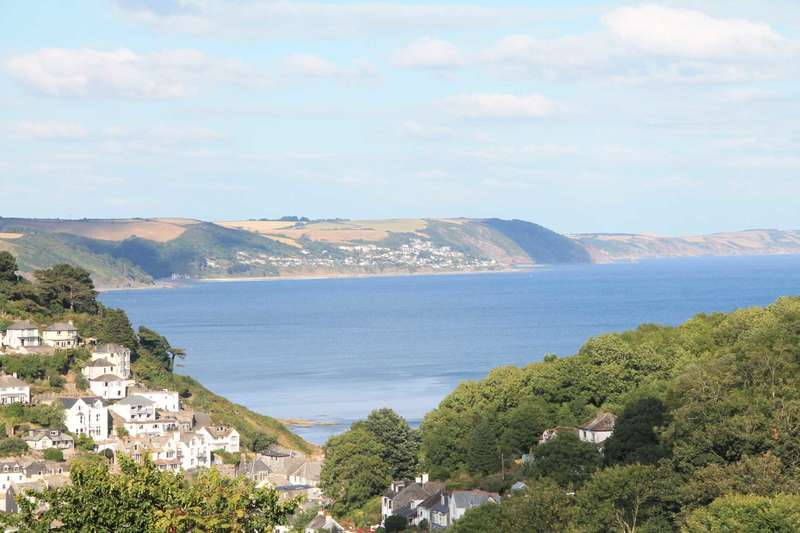 4 Bedrooms Detached House for sale in Downs Lane, Looe
