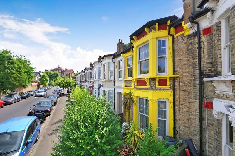 3 Bedrooms House for sale in Copleston Road, London SE15