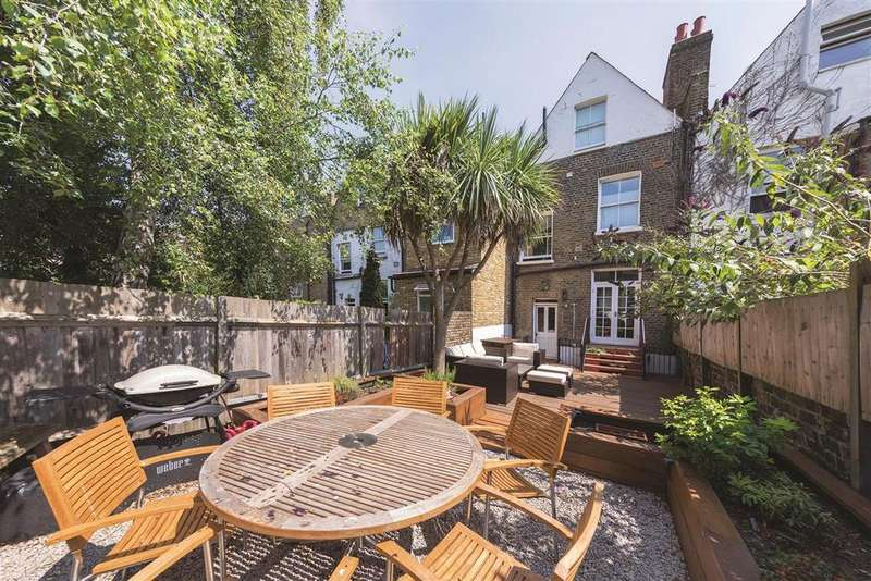 3 Bedrooms Terraced House for sale in Auckland Road, SW11
