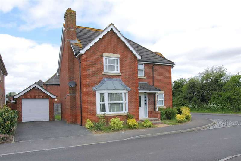4 Bedrooms Detached House for sale in Topaz Drive, Andover