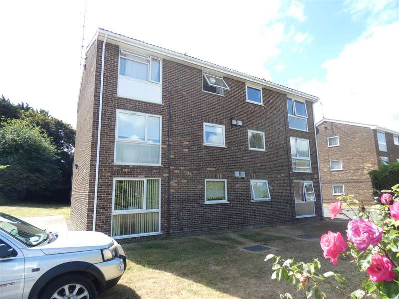 2 Bedrooms Apartment Flat for sale in The Mall, Dunstable