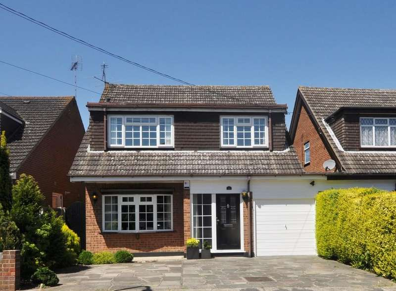 4 Bedrooms Link Detached House for sale in Thundersley, Essex