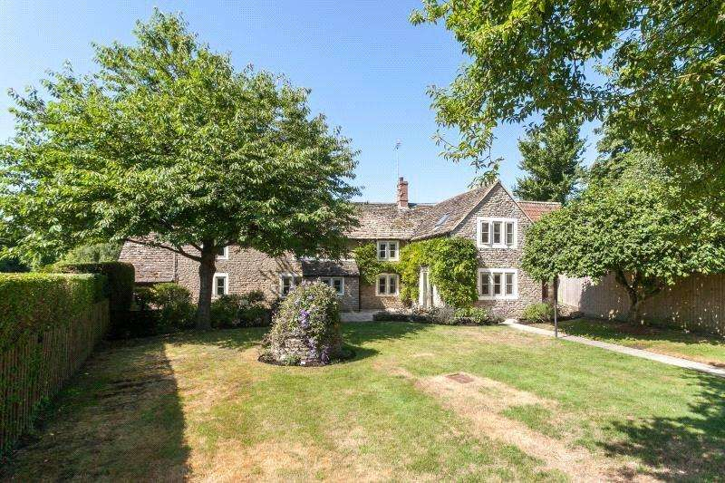 3 Bedrooms Unique Property for sale in Upper Common, Kington Langley, Wiltshire, SN15