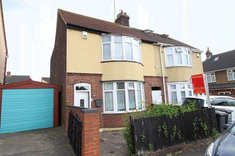 2 Bedrooms Semi Detached House for sale in Spacious two bedroom semi detached property with potential to extend STPP on Beresford Road