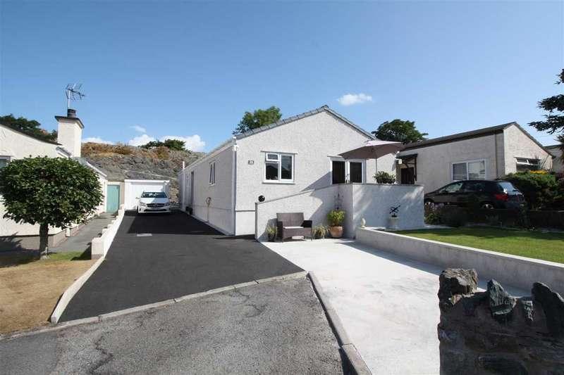3 Bedrooms Detached Bungalow for sale in Cil Y Graig, Llanfairpwll