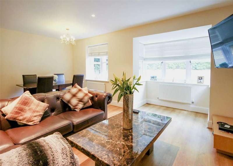 2 Bedrooms Apartment Flat for sale in Glendower, Crowthorne Road, Bracknell, Berkshire, RG12