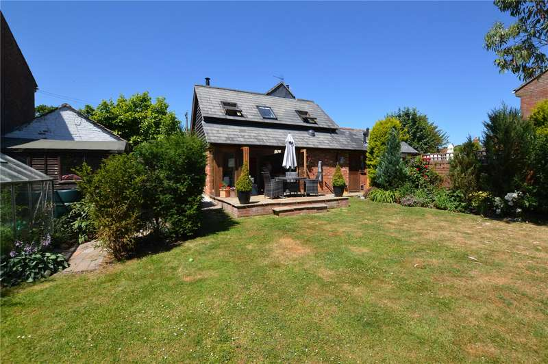 5 Bedrooms Semi Detached House for sale in Stansted