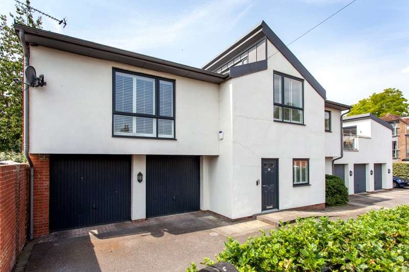 3 Bedrooms Link Detached House for sale in Claremont Gardens, Marlow, Buckinghamshire, SL7