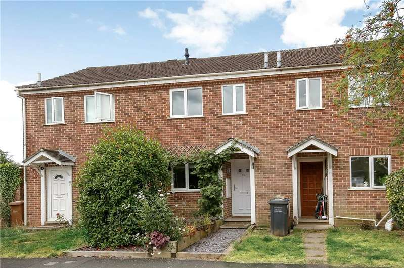 2 Bedrooms Terraced House for sale in Hunters Crescent, Romsey, Hampshire, SO51