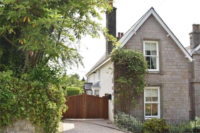 3 Bedrooms Semi Detached House for sale in School House, Tidenham