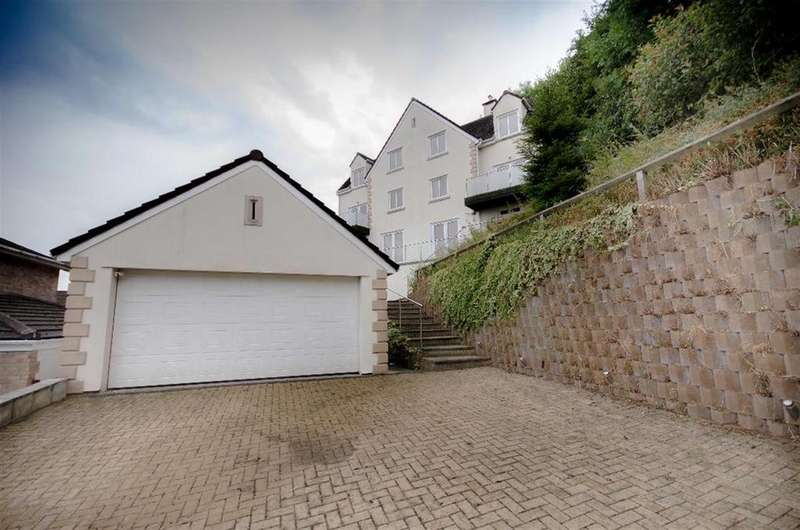 6 Bedrooms Detached House for sale in Stockwell Close, Downend, Bristol, BS16 6XB