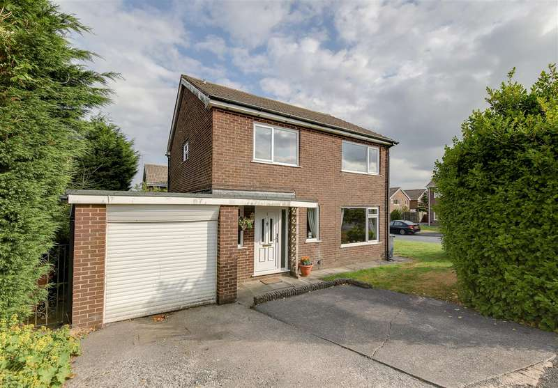 4 Bedrooms Detached House for sale in Cowes Avenue, Haslingden, Rossendale