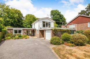 3 Bedrooms Detached House for sale in Burgh Hill, Etchingham, East Sussex