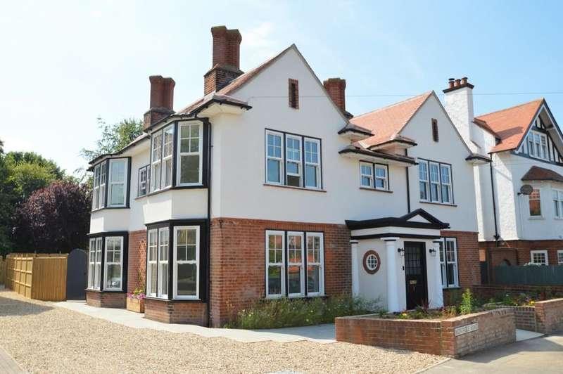 5 Bedrooms Detached House for sale in Sheringham