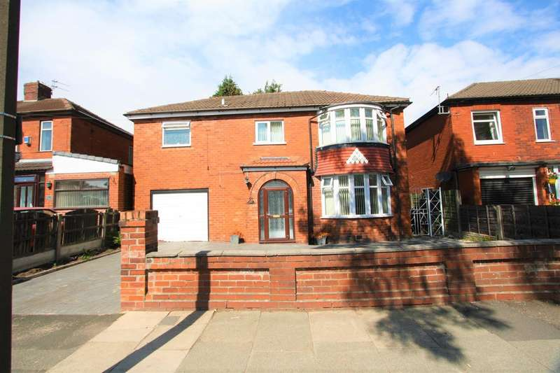 4 Bedrooms Detached House for sale in Butterstile Lane, Prestwich