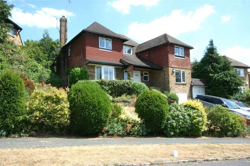 4 Bedrooms Detached House for sale in Foxdell Way, Chalfont St Peter, Buckinghamshire