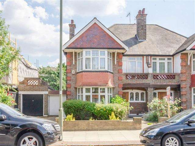 4 Bedrooms Semi Detached House for sale in Creighton Avenue, East Finchley, London