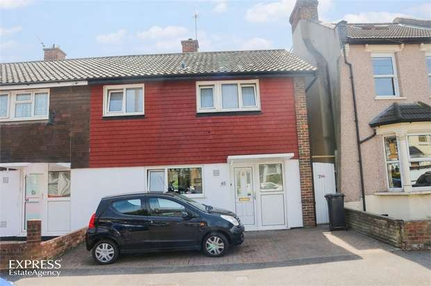 3 Bedrooms Semi Detached House for sale in Dundee Road, London