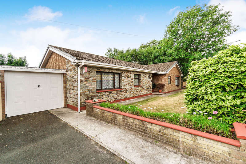 4 Bedrooms Detached Bungalow for sale in Crownhill Road, Plymouth, PL5