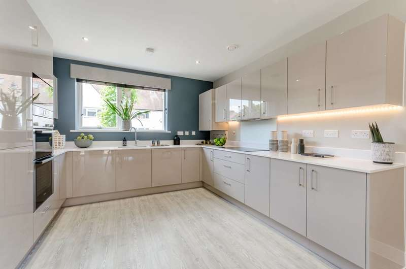 5 Bedrooms House for sale in Browning Avenue, Ealing, W7