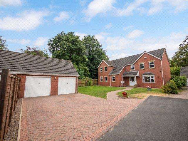 5 Bedrooms Detached House for sale in Le Burghdike Close, Grimsby, N E Lincolnshire, DN32