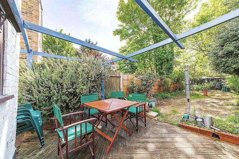 3 Bedrooms Terraced House for sale in Liddon Road, London, E13