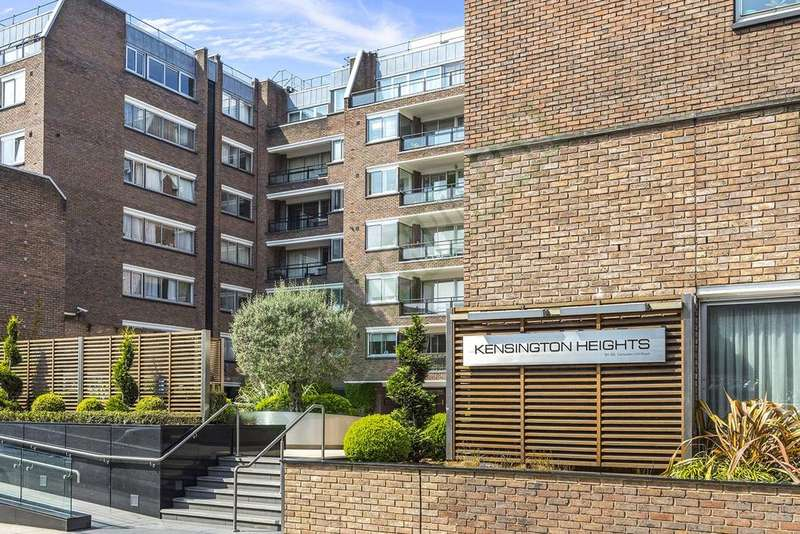 Flat for sale in Kensington Heights, 91-95 Campden Hill Road, London, W8