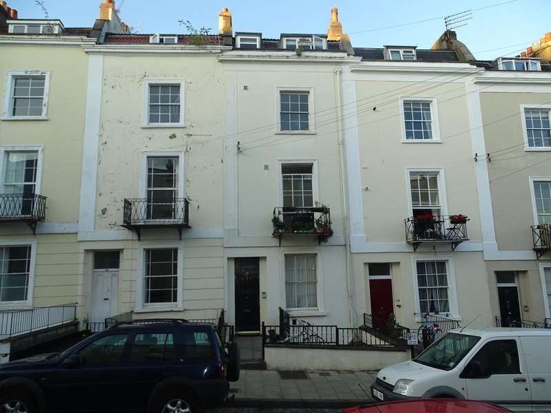 1 Bedroom Flat for sale in Southleigh Rd, Clifton, Bristol BS8