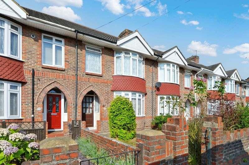 3 Bedrooms Property for sale in Redlands Lane, Fareham