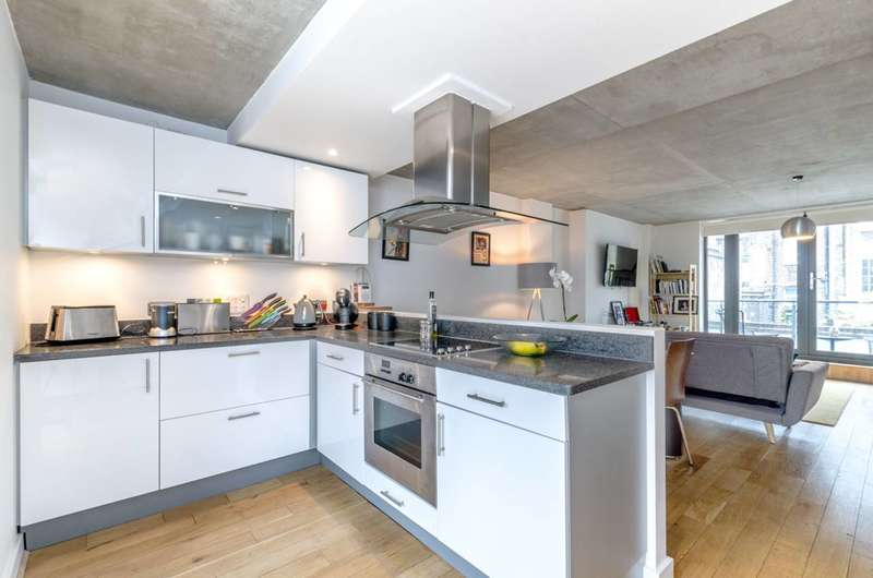 2 Bedrooms Flat for sale in Acton Street, Islington, WC1X
