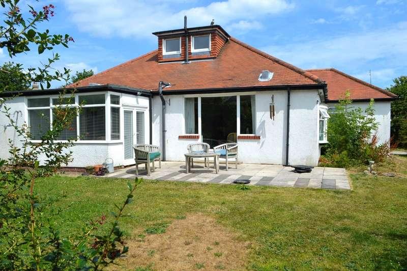 4 Bedrooms Detached House for sale in Shaftesbury Avenue, Hornsea, HU18