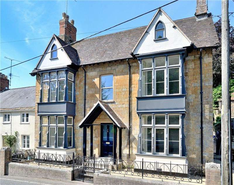 5 Bedrooms House for sale in Acreman Street, Sherborne, DT9