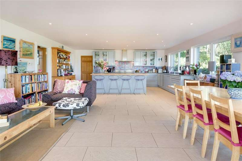 6 Bedrooms Detached House for sale in Sunnyside, Langtongate, Duns, Berwickshire