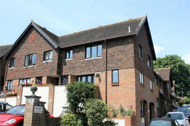 2 Bedrooms Retirement Property for sale in St Martins Way, BATTLE, East Sussex