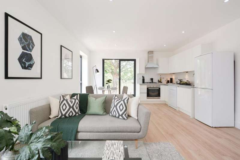 3 Bedrooms Apartment Flat for sale in House 230C Grange Road, E13