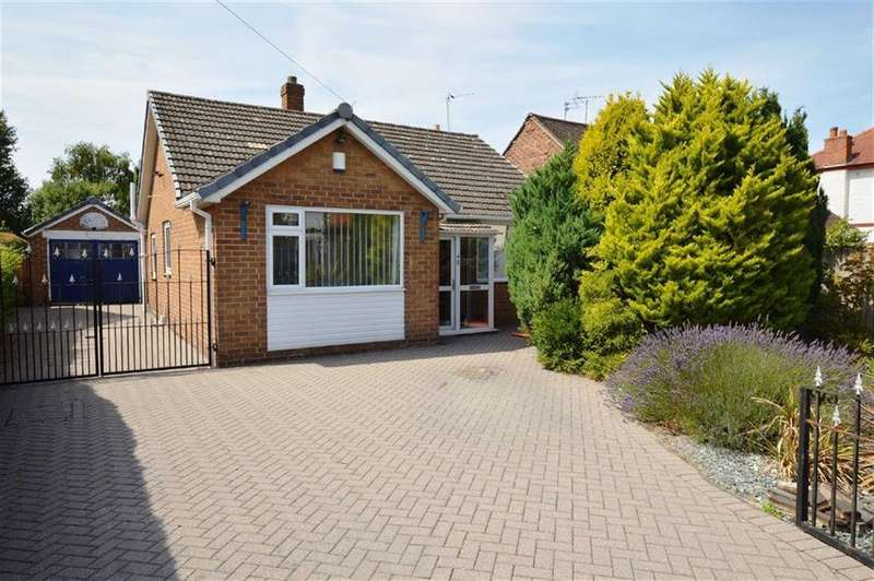 3 Bedrooms Detached Bungalow for sale in Meadowbrook Road, CH46