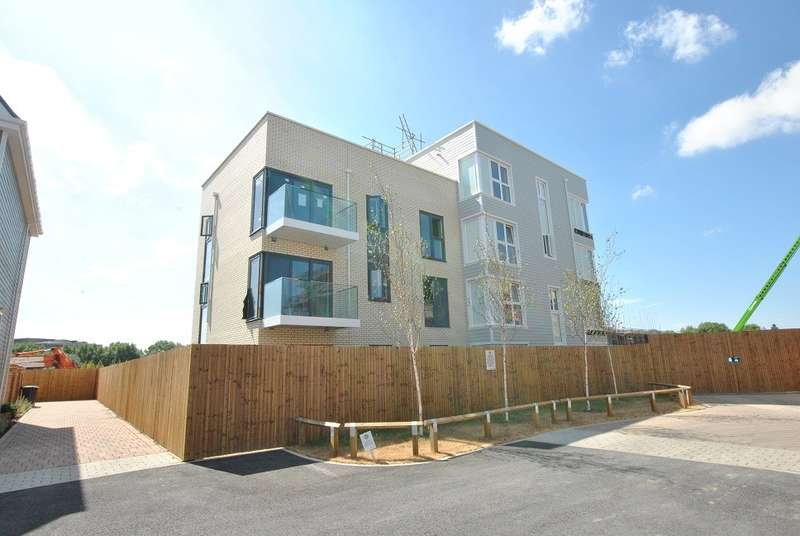 2 Bedrooms Apartment Flat for sale in South Reading