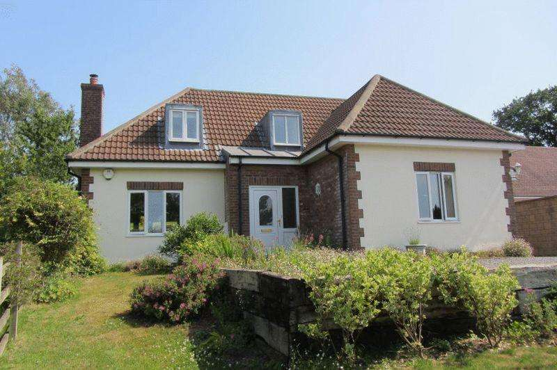 3 Bedrooms Detached House for sale in Broadshard, Crewkerne