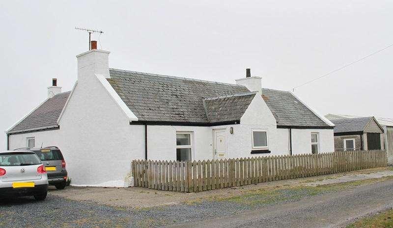 3 Bedrooms Detached House for sale in Gruinart, Bridgend PA44
